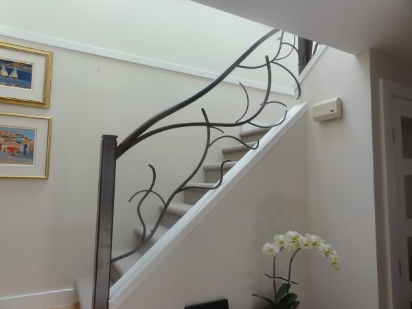 Metal Stair Railings For Residential Projects In Vancouver
